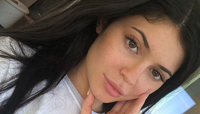 kylie jenner shares photo of triplets feat