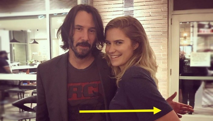 why Keanu Reeves wont touch women in photos