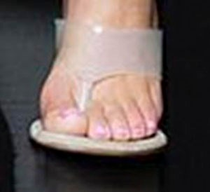 Kim Kardashian 6th toe