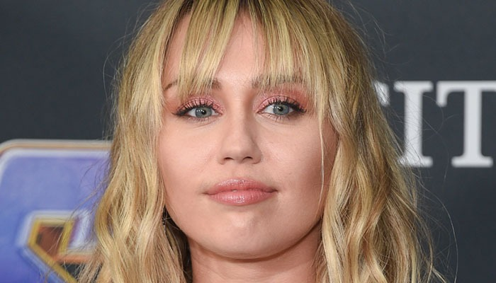 Miley gifts weed bouquet to girlfriends ex