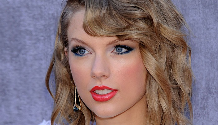 Shutterstock Taylor Swift generous donation feat