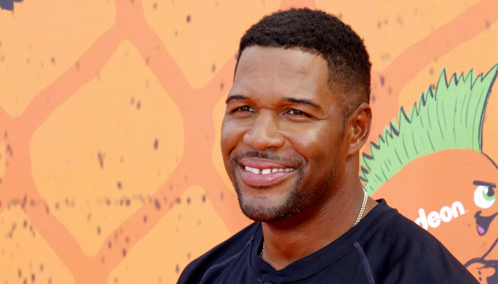 michael strahan ex wife says he owes child support