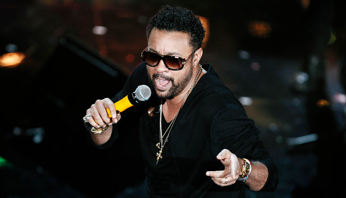 Shaggy performing live