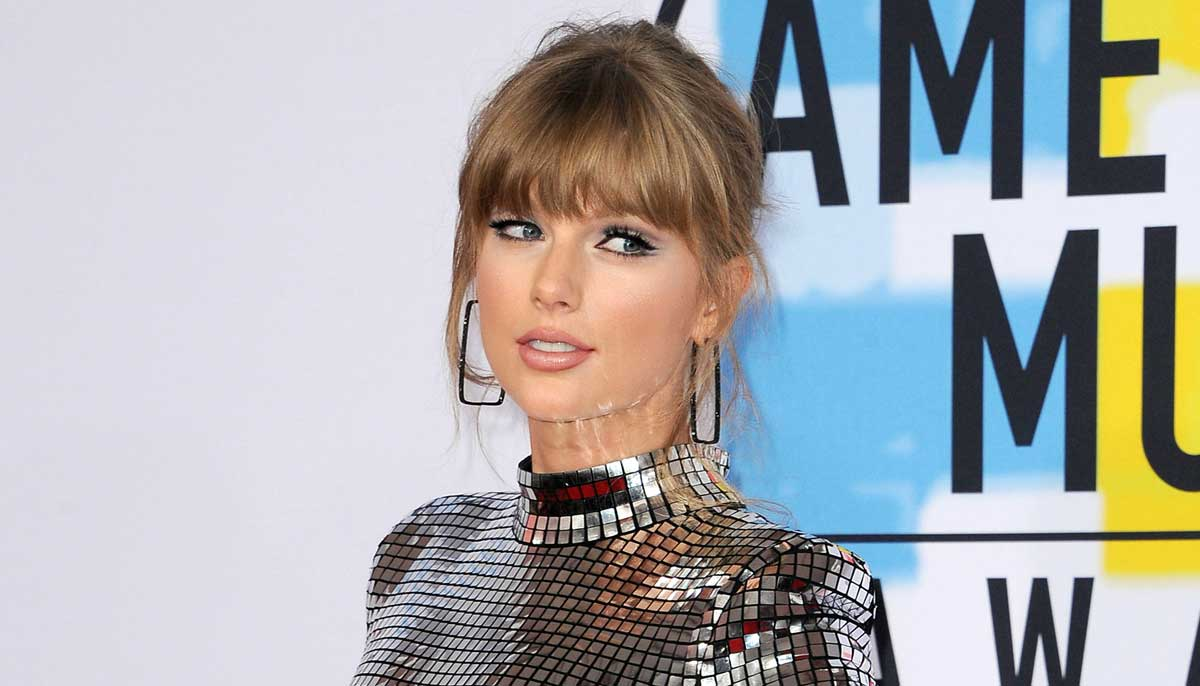 taylor swift artist of decade american music awards AMAs 2019